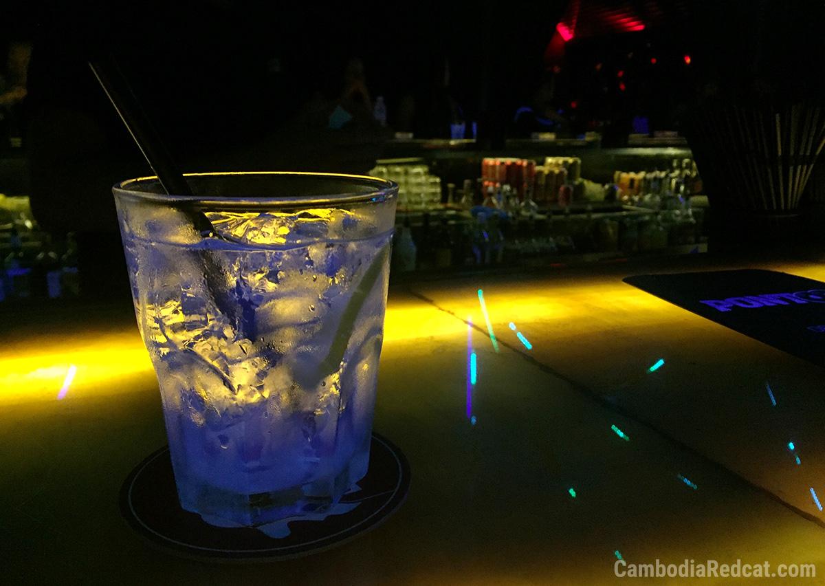 Gin Tonic au Cambodge Boîte